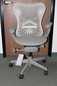 Herman Miller Mirra Basic Office Desk Chair Shadow Fabric And Base And Fog Arms