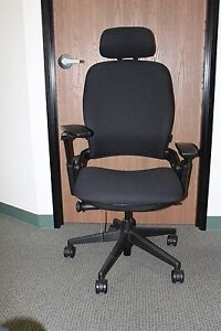 Steelcase Leap With Headrest In Buzz 2 Black On A Black Base