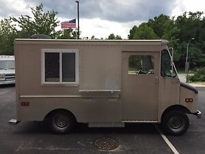 18 Low Mileage Food Truck With Full Commercial Kitchen ask 4 Lori