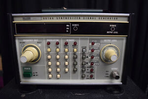 Fluke 6010a Signal Generator Parts Repair Powers On Option 6 Installed