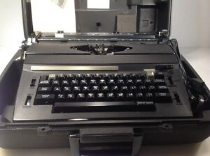 Sears Corrector Portable Electric Typewriter With Hard Shell Case