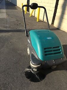 Tennant 3610 Battery Walk Behind Sweeper New Brushes