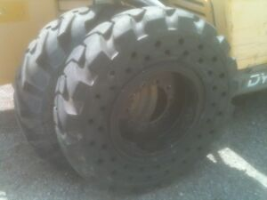 13 00 24 13 00x24 Solid Tire 95 Of New With 10 Lug Steel Wheel