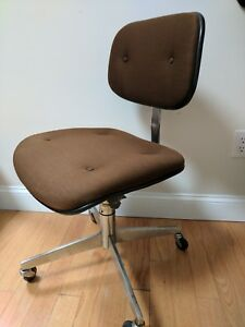 1980 Vtg Steelcase Industrial Swivel Office Chair Brown Rolling Propellor