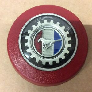 1979 1982 Ford Mustang Red Steering Wheel Horn Button D9zc 3a515 bwa Excellent
