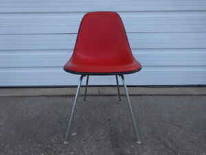 Vintage Herman Miller Eames Dsx Alexander Girard Red Naugahyde Cover Side Chair