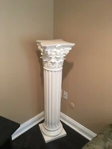 White Pillar Column Stands