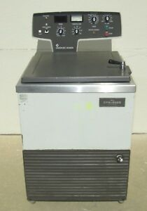 Iec Dpr 6000 Refrigerated Centrifuge 6 Place Rotor 6 1 Liter Cups Clear Tops