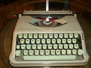 1960s Hermes Rocket Manuel Typewriter W Carrying Case