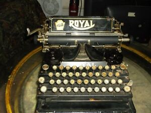 Vintage 1930s Royal Flat Bed Vintage Typewriter Glass Keys Serviced And Tested