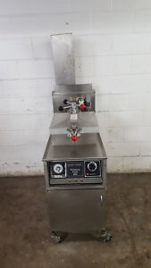 Henny Penny Pressure 600 Fryer W Filter Box Tested Natural Gas Extra Filters