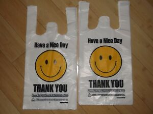 1400 Ct Plastic Shopping Bags t Shirt Type Grocery White Happy Face Small Size