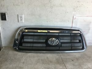 2010 2011 2012 2013 Toyota Tundra Front Grill Grille 53111 0c180 190 Oem Used