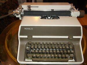 Antique 1970s Heavy Duty Desktop Office Royal Manual Typewriter