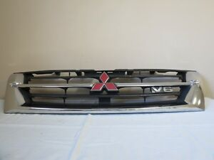 2001 01 Mitsubishi Montero Limited Front Upper Radiator Bumper Grille Grill Oem