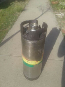 Used 1 6 Barrel Stainless Steel 5 Gallon Commercial Beer Keg Sanke D 5 Left