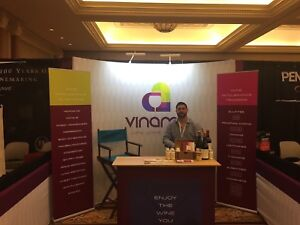 Curved Trade Show Display Booth Table Upright Banners Side Walls