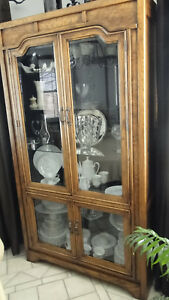 F23840a Antique Oak Curio Or China Cabinet With Beveled Glass Doors