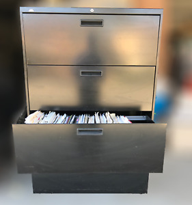 Hon Series 2000 Four drawer Lateral Filing Cabinet Black 36 In Great Shape
