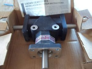 New In Box Crown C209806 Spiral Bevel Gear Drive 3 way Right Angle All Ccw Turn