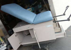 Midmark Ritter 108 Manual Medical Hospital General Examination Table Chair
