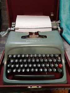 Working Olivetti Underwood Studio 44 Typewriter With Case Prop Or For Use