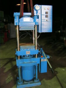 Daniels 40 Ton Hydraulic 4 Post Lab Press