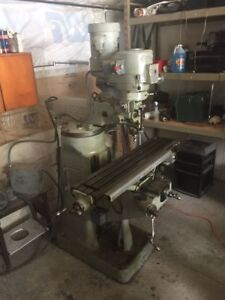 Bridgeport Milling Machine 1 1 2 Hp With Digital Readout And Power Feed 230 Volt