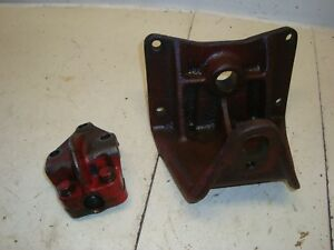 1955 Farmall 300 Utility Tractor Front End Axle Brackets 350