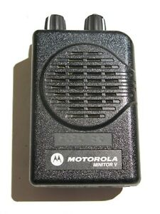 Motorola Minitor V Low Band Paging Receiver 45 49 Mhz 2 Ch Stored Voice W crgr