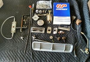 Mixed Lot Of Jaguar Vintage Auto Parts