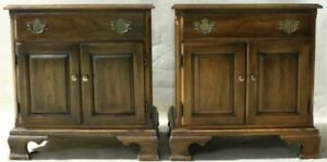 Pair Of Solid Cherry Statton Trutype Americana Traditional Nightstands