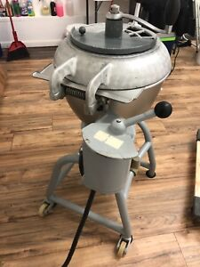 Hobart 25 Quart Vertical Cutter Mixer Vcm V Good Condition