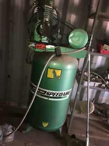 Speedaire Gallon 5 Hp Single Phase Electric Vertical Tank Air Compressor