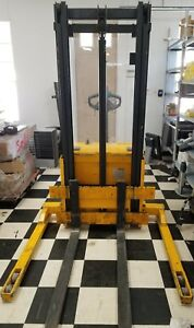 Multiton Sw22 Walkie Stacker Electric Fork Lift 2200lbs Capacity Telescopic Mast