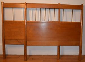 Paul Mccobb Planner Group Mid Century Modern Twin Walnut Headboards A Pair