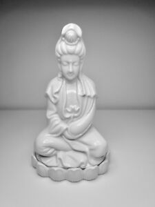 Porcelain Quan Yin Sitting On A Lotus Statue 8 Made In Japan