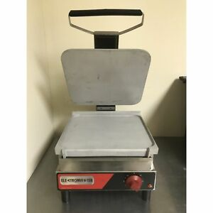 Electromaster 14 Smooth Top And Bottom Panini Sandwich Press em sasl n