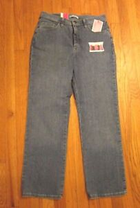 WOMEN'S CLASSIC FIT JEANS BY LEE INSTANTLY SLIMMING - SIZE 12 PETITE - STRAIGHT