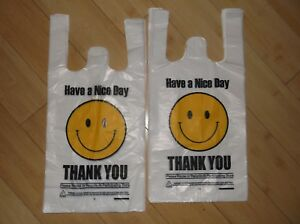 800 Ct plastic Shopping Bags t Shirt Type Grocery Happy Face White Small Size