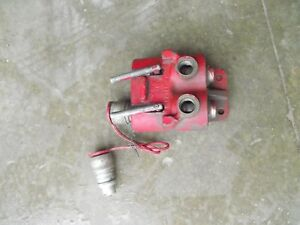 Farmall 966 1066 Tractor Ihc Ih Hydraulic Outlet Valve Remote Plug Box