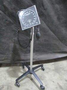 Welch Allyn Tycos Mobile Blood Pressure Stand Sphygmomanometer W Adult 11 Cuff