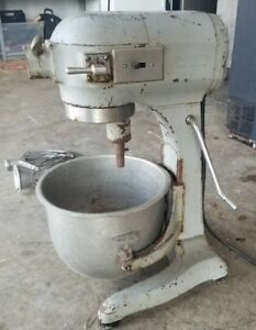 Hobart A 200 20 Qt Commercial Mixer W bowl Hook Whisk Paddle 30 Day Warranty
