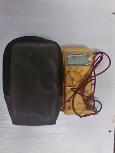 1 Used Fluke 23 Multimeter