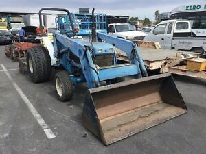 New Holland 2120 Farm Utility Tractor 4wd Tractor Low 600 Hours Ex City