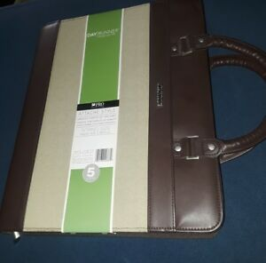 Day Runner Pro Undated Refillable Planner W handles 8 5 X 11 Item 313 0307