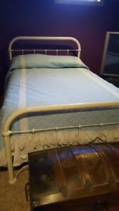 Antique Iron Bed Double