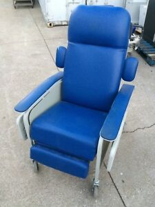 Lumex 577 Clinical Care Patient Recliner Medical Dialysis Chair 577g454 W tables