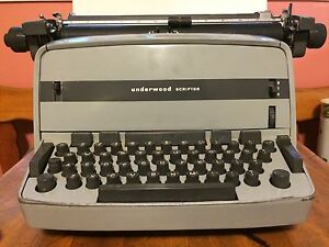 Underwood Scriptor Electric Typewriter
