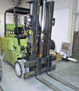 Clark 8000 Lb Fork Lift Truck Model C500 80 With 3 Stage Mast